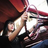 Как девушкам научиться водить автомобиль