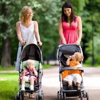 Как влияет коляска на осанку ребёнка
