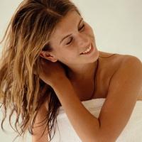 Правила мытья сухих и ломких волос