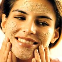 Домашние скрабы для зрелой кожи
