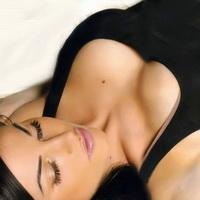 Упражнения для красивой формы груди